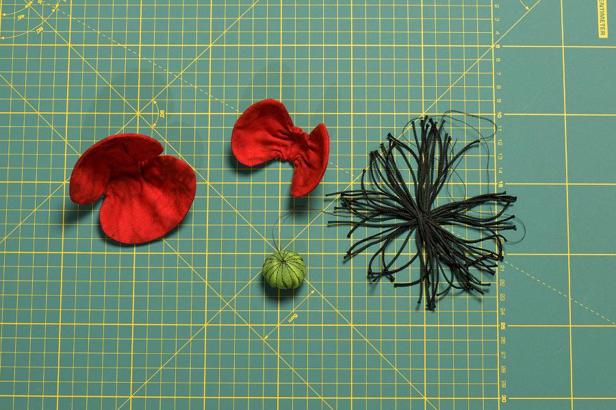 Цветы своими руками из ткани мак