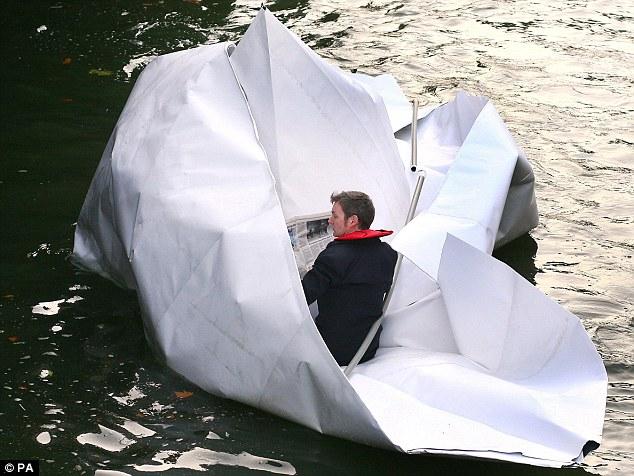 лодка из бумаги которая плавает