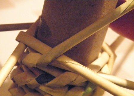 Спиральное плетение из газет: мастер класс на примере пасхального декора 1379407606_21
