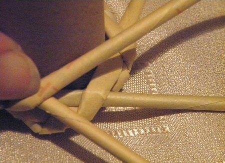 Спиральное плетение из газет: мастер класс на примере пасхального декора 1379407652_10