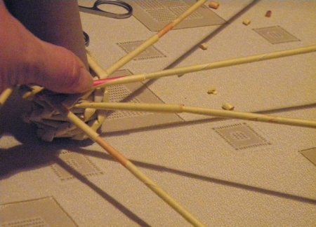 Спиральное плетение из газет: мастер класс на примере пасхального декора 1379407675_16