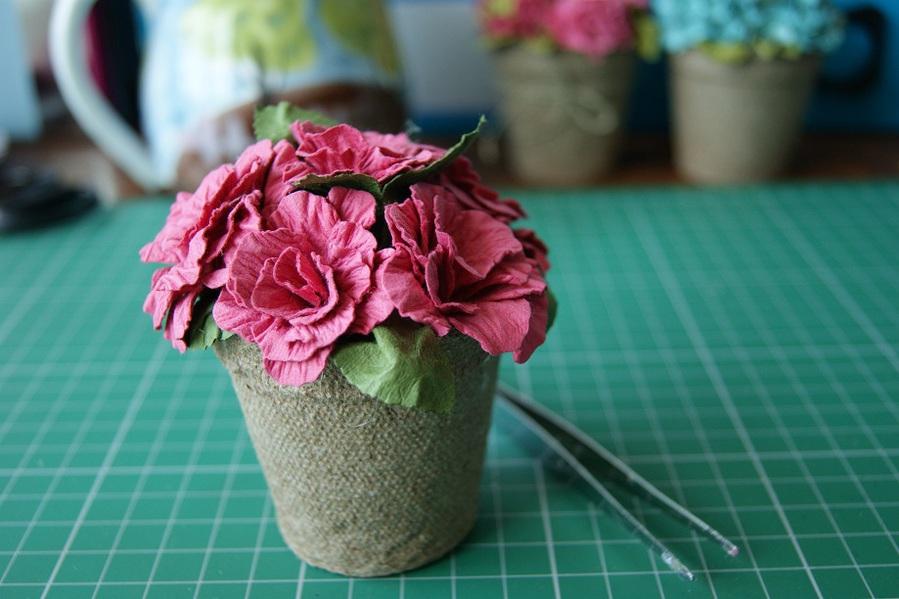 Как делать цветы в горшках своими руками поэтапно 87
