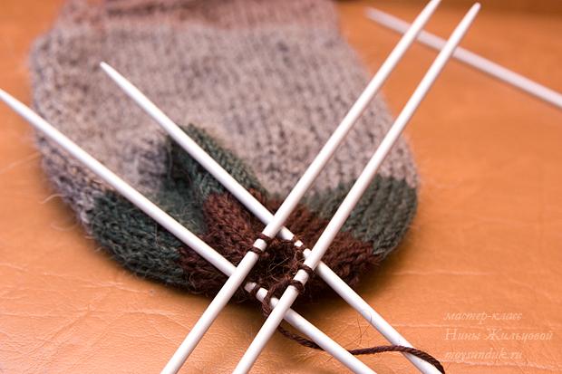 Вязание красивых женских носок спицами