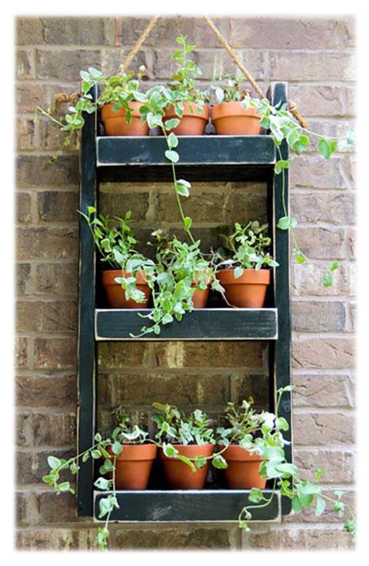 Полки для цветов на стене своими руками